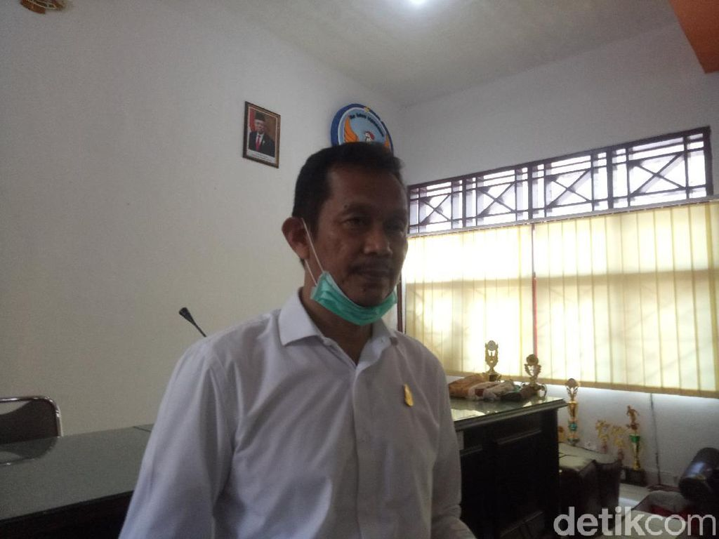 SMP di Makassar Beli 428 Tab Tablet Dukung Proses Belajar dari Rumah