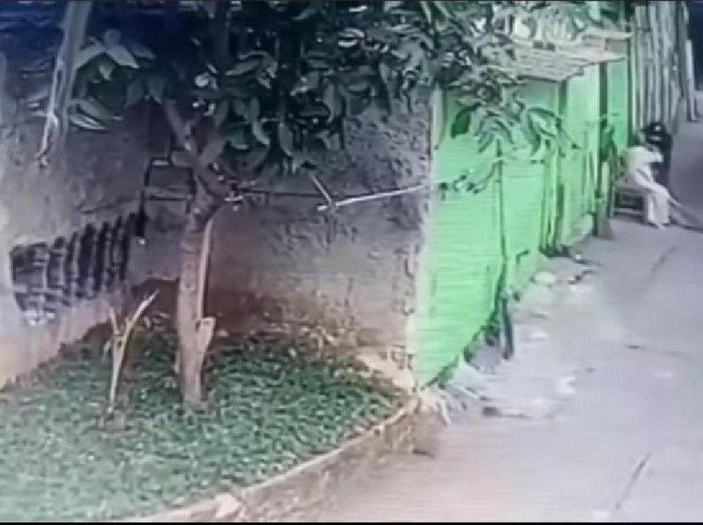 Video Nenek Dijambret, Kalung 20 Gram Emas Raib