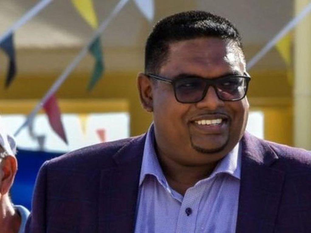 Tokoh Muslim Menjadi Kepala Negara Guyana