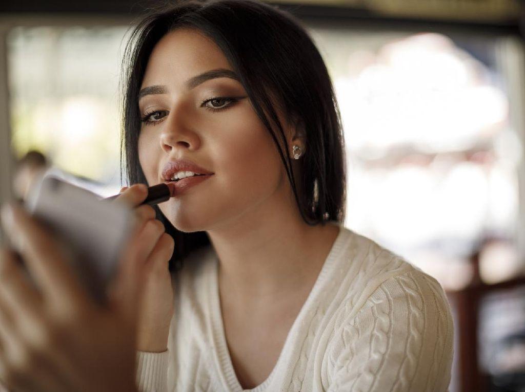 Hits di Lapak Online, Alat Penahan Agar Lipstik Tak Rusak Saat Ketutup Masker