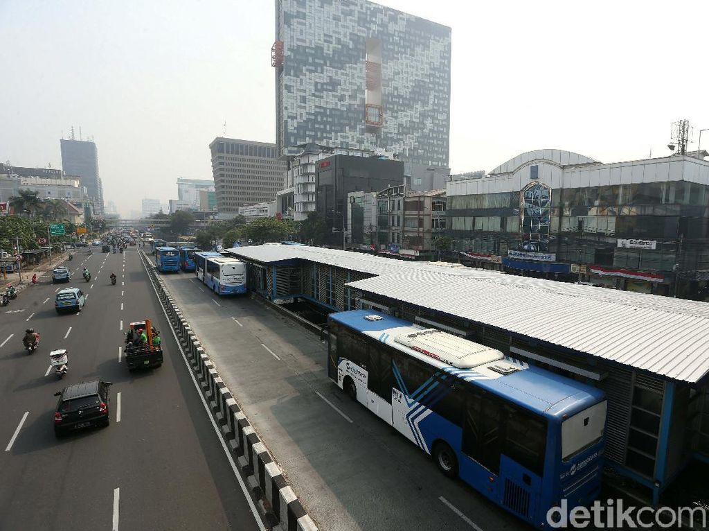 HUT RI Ke-75, TransJakarta Akan Putar Lagu Indonesia Raya di Bus-Halte
