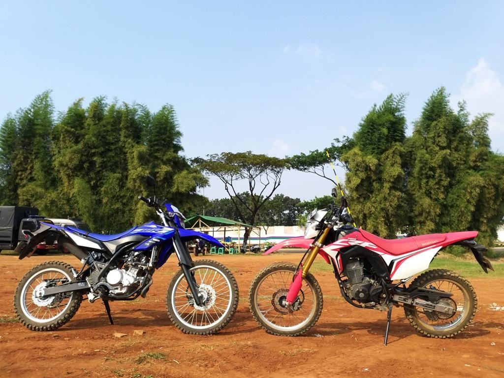 Adu Performa Honda CRF150L vs Yamaha WR155R, Mana Lebih Unggul?
