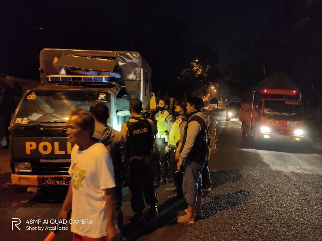 Iring-iringan Mobil Polisi Jember Kecelakaan Beruntun, Lima Orang Luka