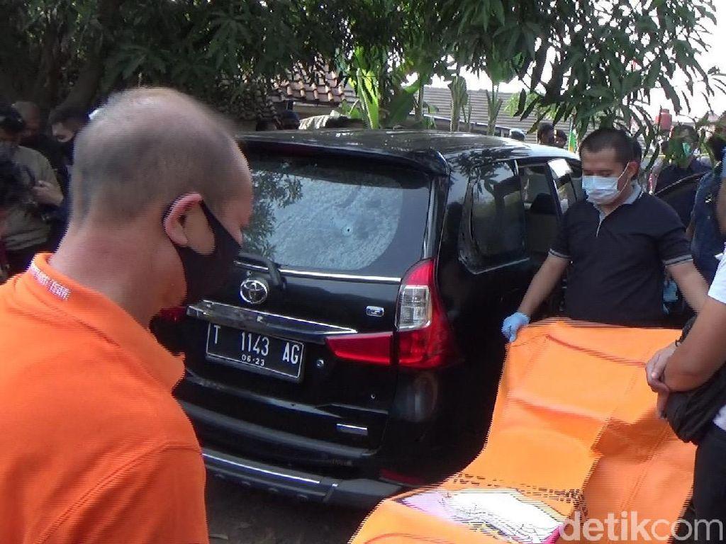 Video Evakuasi Mayat dalam Mobil, Ternyata Perampok