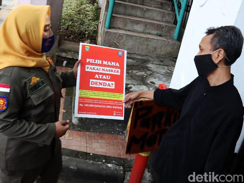 Satpol PP Bandung Kumpulkan Denda Rp 47 Juta dari Pelanggar Prokes
