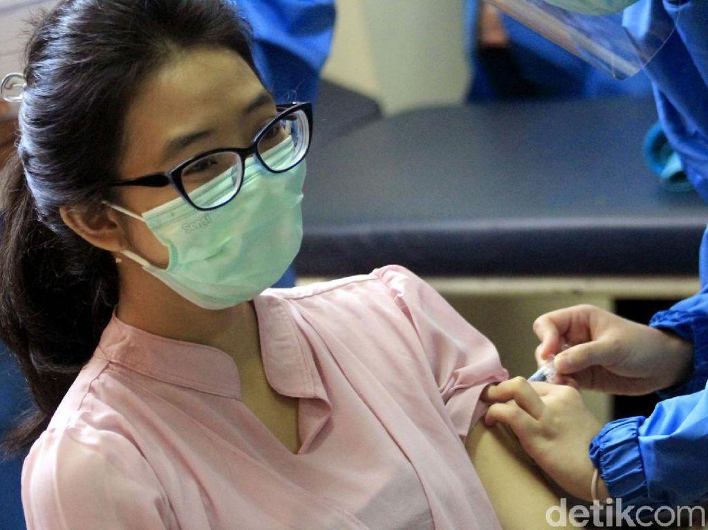 Dokter Paru Desak Menkes Ungkap Detail Syarat Penerima Vaksin COVID-19