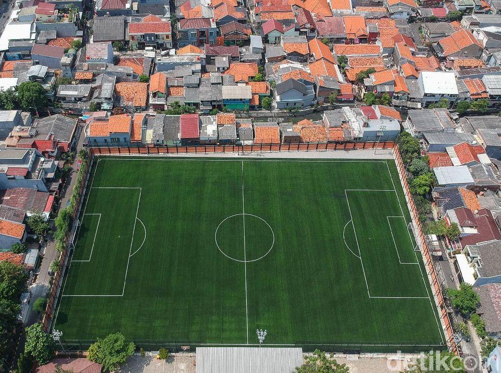 Gambar dan Ukuran Lapangan Sepak Bola Lengkap Sesuai Aturan