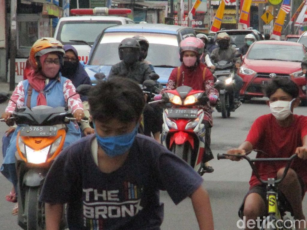 Siap-siap! Tak Pakai Masker di Sumedang Didenda Rp 100 Ribu
