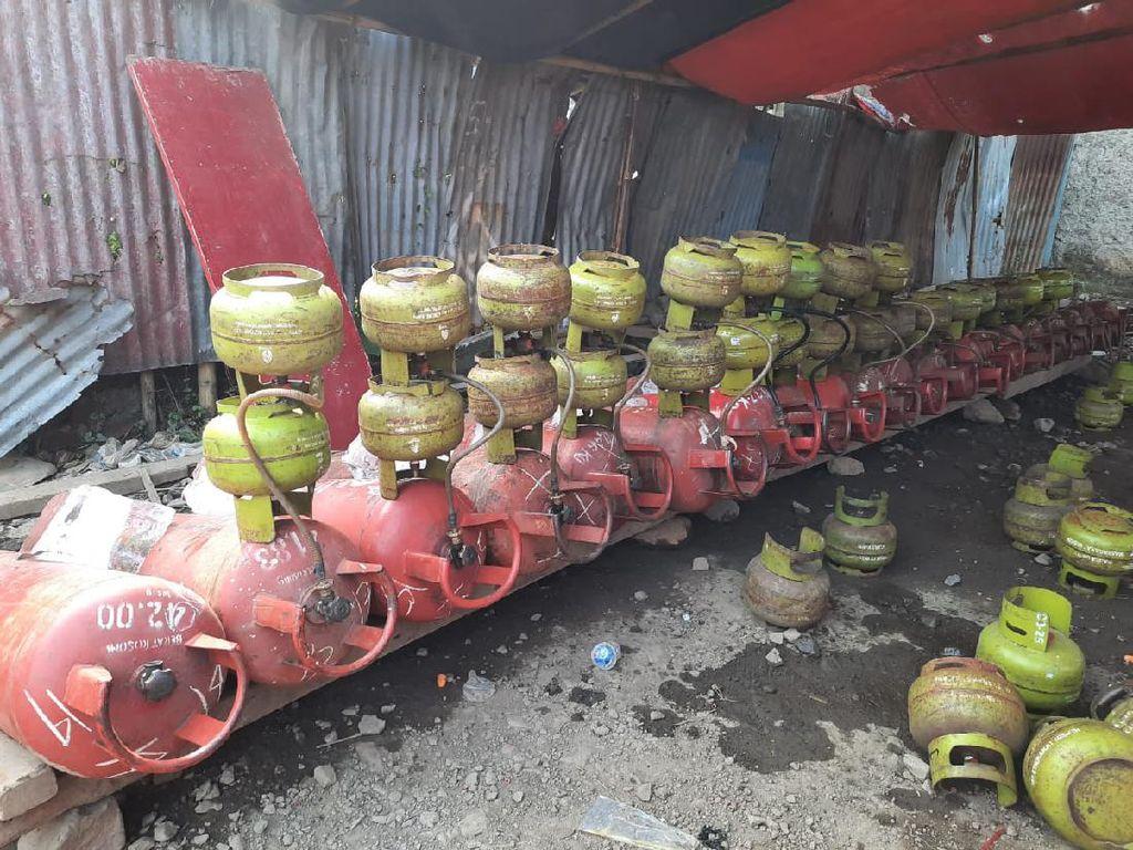 Bareskrim Ciduk 5 Pengoplos Gas Melon di Tangerang, 760 Tabung Disita