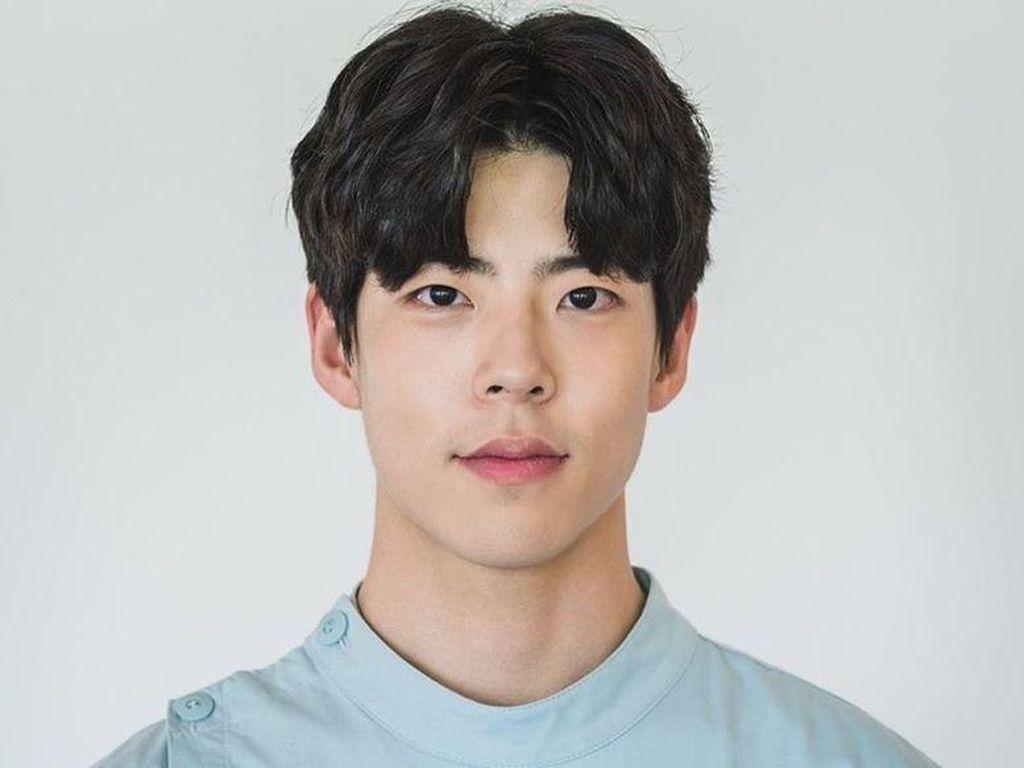 Mengenal Choi Woo Sung, Perawat RSJ Ganteng di Its Okay To Not Be Okay