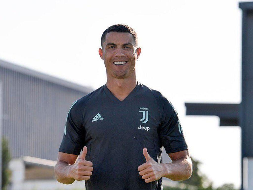 Rambut Baru Cristiano Ronaldo Jelang Liga Champions