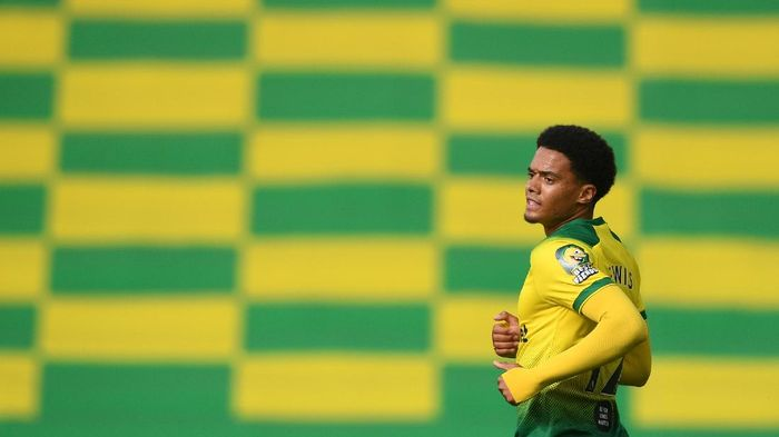 NORWICH, ENGLAND - JUNE 27: Jamal Lewis of Norwich City looks on during the FA Cup Quarter Final match between Norwich City and Manchester United at Carrow Road on June 27, 2020 in Norwich, England. (Photo by Joe Giddens/Pool via Getty Images)