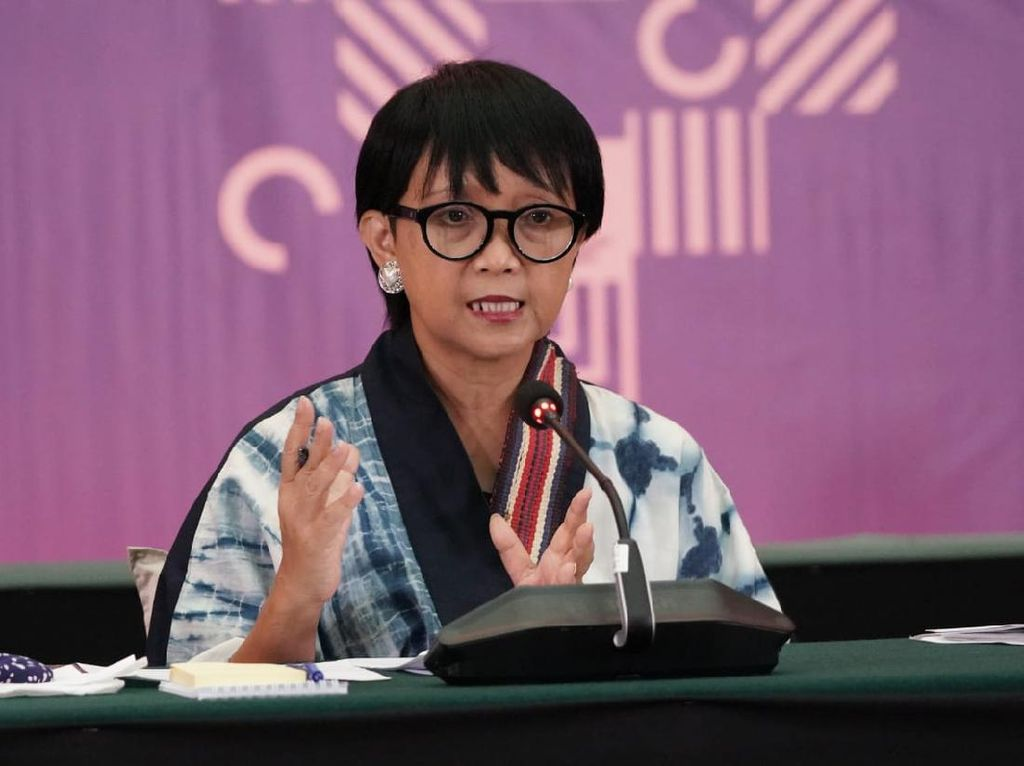 Menlu Paparkan Isi Pertemuan 5 KTT ASEAN yang diikuti Jokowi
