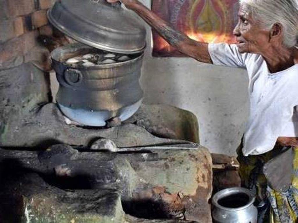Bikin Haru! Kisah 5 Nenek yang Berbagi Makanan Gratis Untuk Sesama