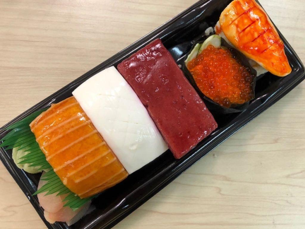 Jangan Tertipu! Sushi dan Onigiri Ini Sebenarnya Cake Nikmat