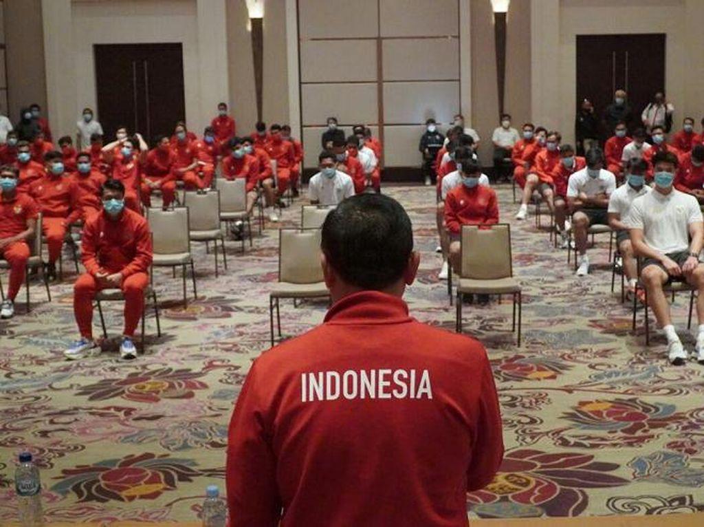 Ketum PSSI Semangati Timnas Indonesia Sebelum Latihan Perdana