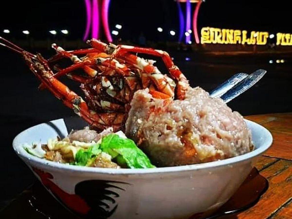 Nikmatnya Cicipi Bakso Lobster di Kotabaru