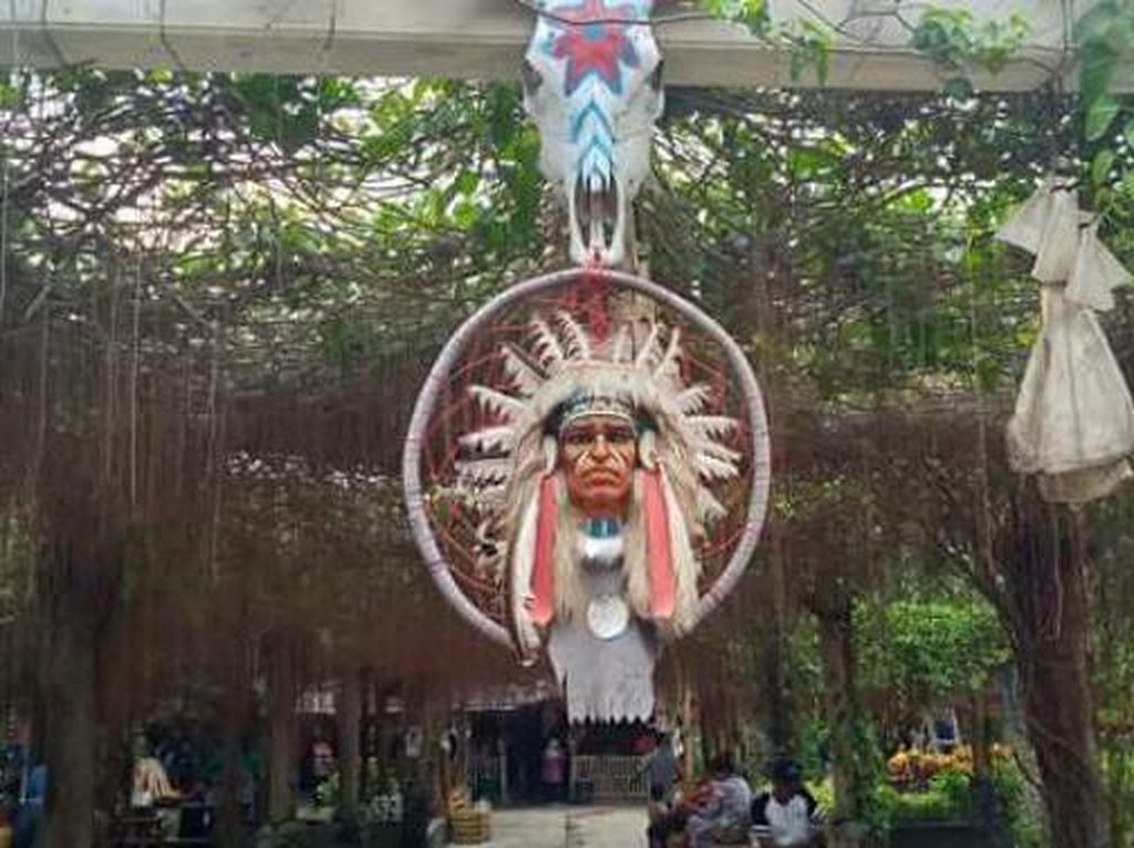 Bertamu ke Kampung Indian di Kediri