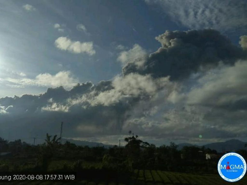 Gunung Sinabung Erupsi Lagi, Kolom Abu 1.000 Meter