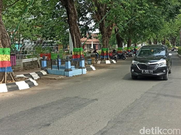Makam yang berada di pinggir jalan depan kantor Bupati Demak, Selasa (4/8/2020).