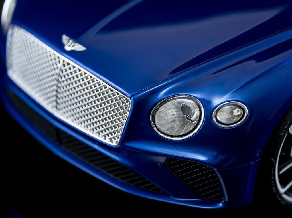 Miniatur Bentley Dibanderol Seharga LCGC, Dibikin Dalam 300 Jam