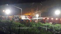 Tergelincir, Pesawat di India Terbelah 2 Saat Mendarat di Bandara Calicut