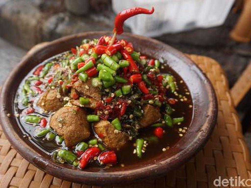 Dijamin Jontor! Ini 5 Makanan Viral Ekstra Pedas Ratusan Cabe