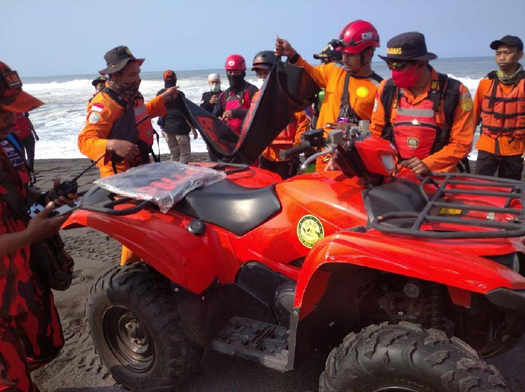 Tim SAR Lanjutkan Pencarian 1 Korban Hanyut di Pantai Goa Cemara