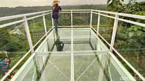 Uji Nyali Menjajal Jembatan Kaca Tepi Jurang di Ciamis