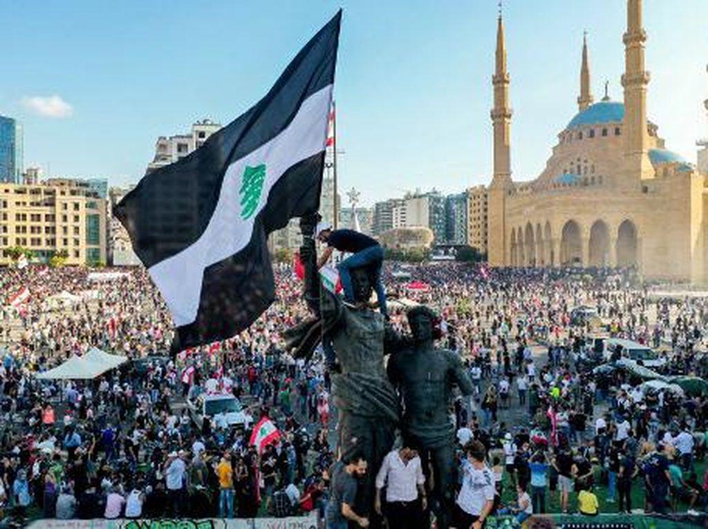 Kementerian Luar Negeri Lebanon Sempat Diambil Alih Massa Demonstran