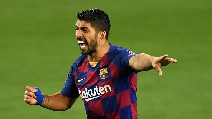 BARCELONA, SPAIN - AUGUST 08: Luis Suarez of Barcelona reacts during the UEFA Champions League round of 16 second leg match between FC Barcelona and SSC Napoli at Camp Nou on August 08, 2020 in Barcelona, Spain.  (Photo by David Ramos/Getty Images)