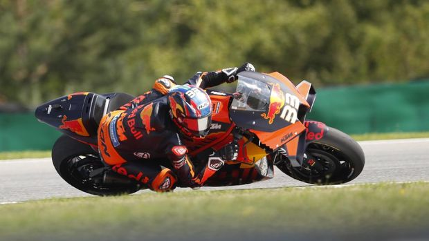South African rider Brad Binder competes during the MotoGP at the Czech Republic motorcycle Grand Prix at the Automotodrom Brno, in Brno, Czech Republic, Sunday, Aug. 9, 2020. (AP Photo/Petr David Josek)