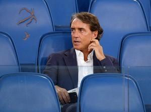 Mancini: Pirlo Beruntung Bisa Latih Juventus