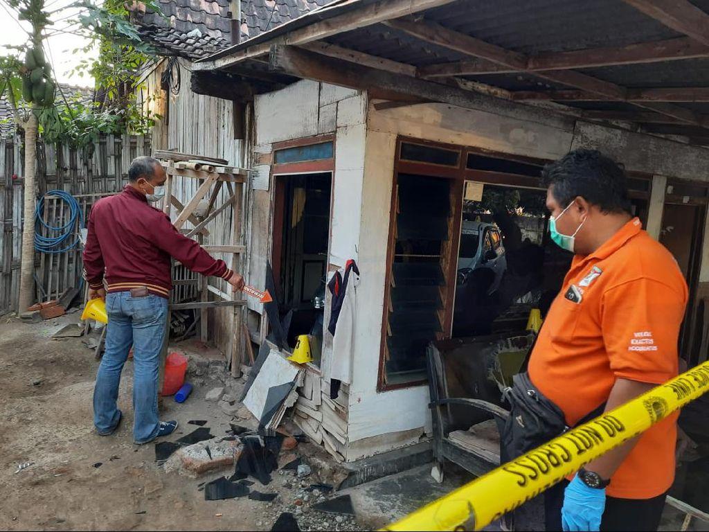 Aksi Brutal Massa Perguruan Silat Memporak-porandakan Dua Desa di Situbondo