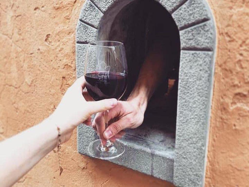 Italia Hidupkan Tradisi Kuno: Jendela Anggur