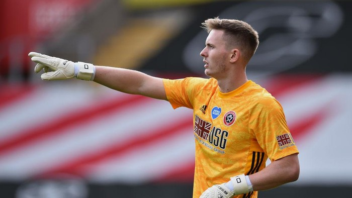 SOUTHAMPTON, ENGLAND - JULY 26: Goalkeeper Dean Henderson of Sheffield United during the Premier League match between Southampton FC and Sheffield United at St Marys Stadium on July 26, 2020 in Southampton, England. Football Stadiums around Europe remain empty due to the Coronavirus Pandemic as Government social distancing laws prohibit fans inside venues resulting in all fixtures being played behind closed doors. (Photo by Glyn Kirk/Pool via Getty Images)