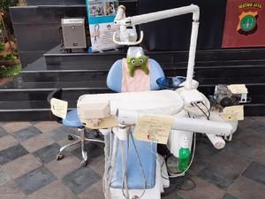 Dokter Gigi Palsu di Bekasi Endorse Selebgram untuk Promosi Jasanya