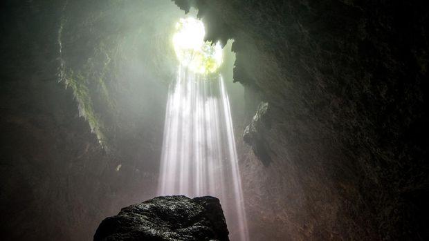 The holy light inside Goa Jomblang in Yogyakarta
