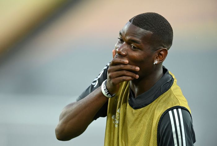 COLOGNE, GERMANY - AUGUST 09: Paul Pogba of Manchester United looks on during a training session ahead of their UEFA Europa League Quarter Final match against FC Kobenhavn at RheinEnergieStadion on August 09, 2020 in Cologne, Germany. (Photo by Sascha Steinbach/Pool via Getty Images)