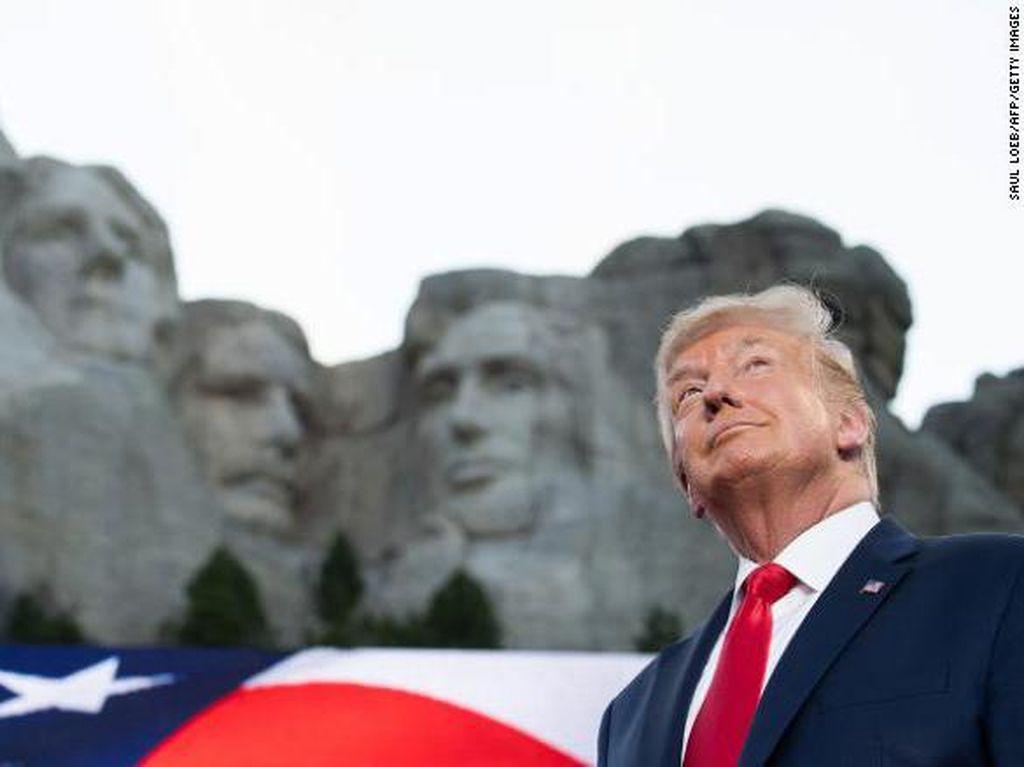 Ivanka Trump Posting Foto Trump di Gunung Rushmore, Netizen Terbelah