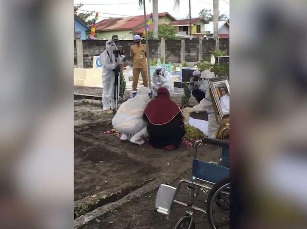 Haru Pemakaman Wali Kota Banjarbaru yang Meninggal karena Corona