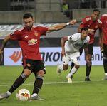 Bruno Fernandes si Jago Penalti