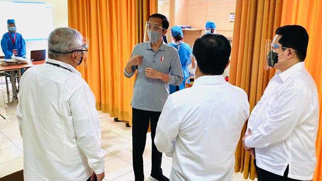Foto: Jokowi Tinjau Uji Klinis Vaksin COVID-19 di Bandung