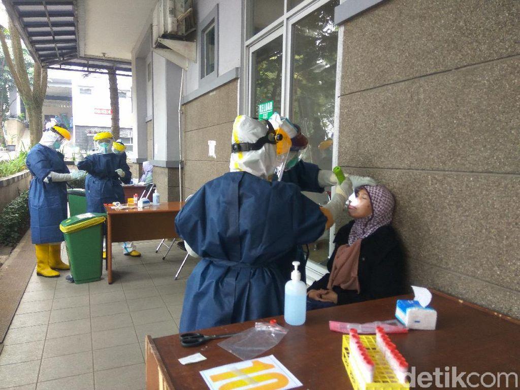 12 Orang di RSUD Cibabat Positif Corona, 1.050 Pegawai Jalani Tes Swab