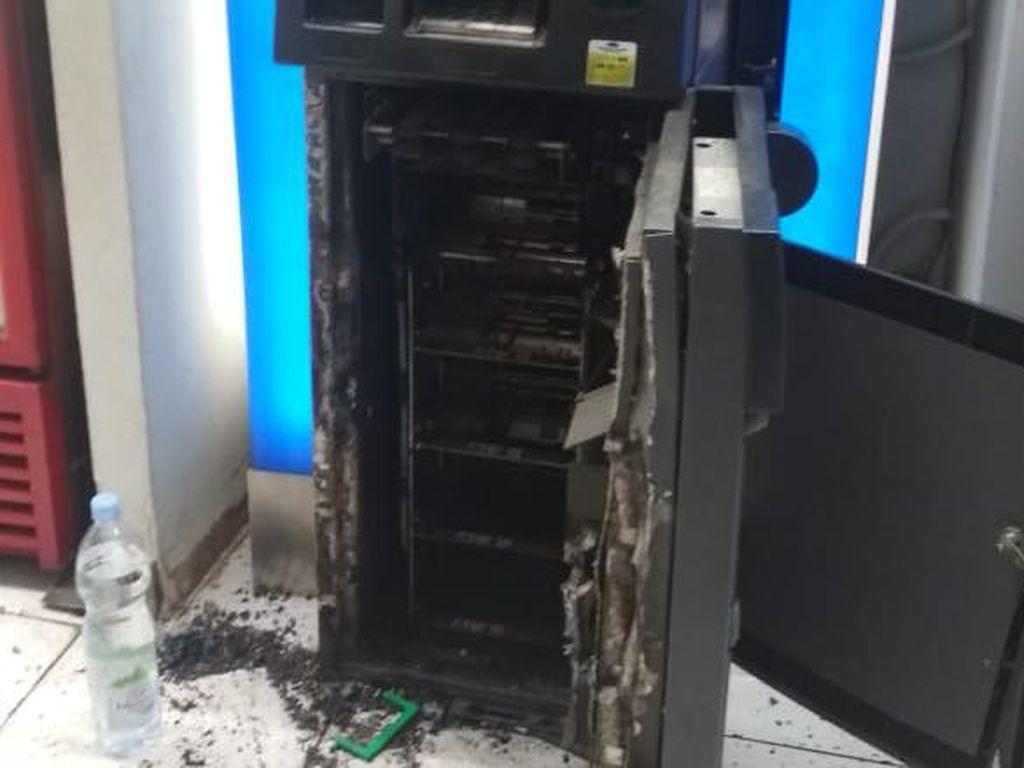 Viral Pembobolan ATM di Gunung Putri Bogor, Pelaku Pakai Alat Las