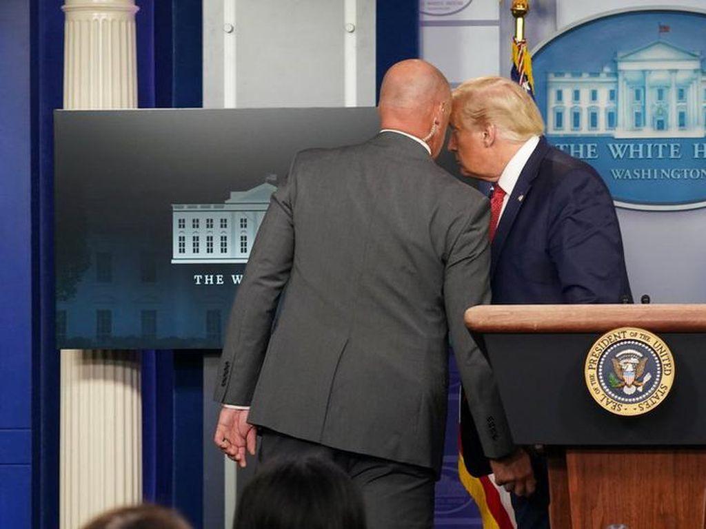 Trump Puji Secret Service Usai Penembakan di Luar Gedung Putih