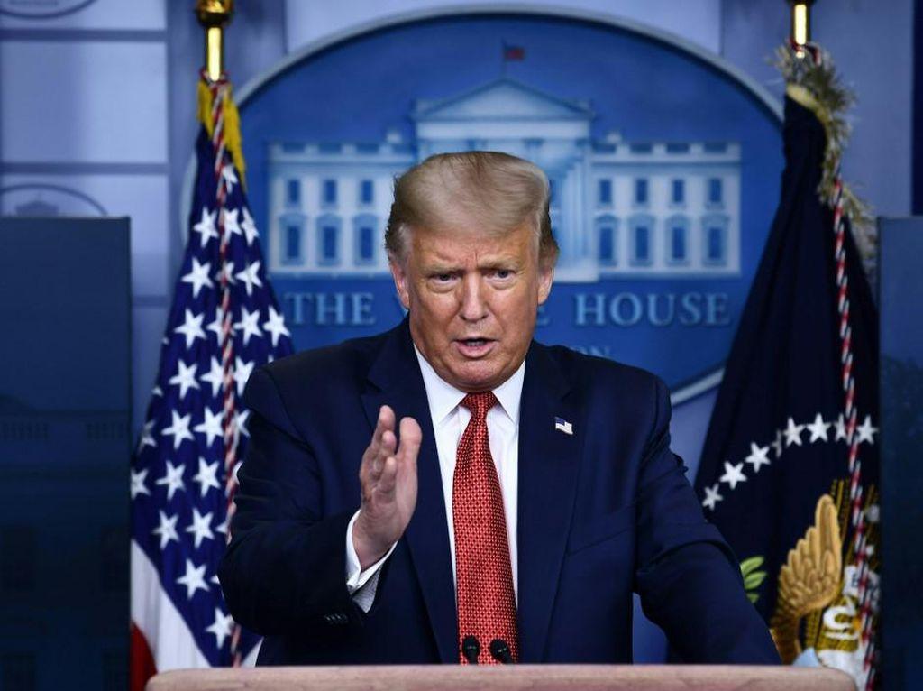 Trump Teken Aturan soal Corona, Salah Satunya Penggusuran Rumah