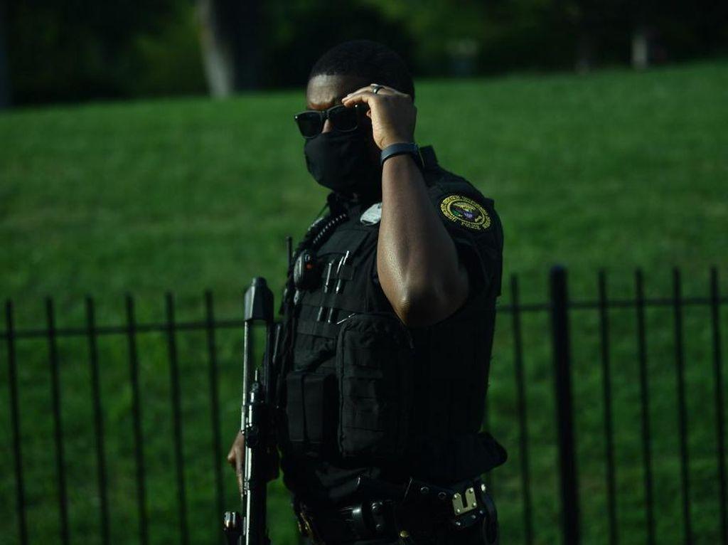 Saat Seratusan Secret Service AS Tertular COVID-19