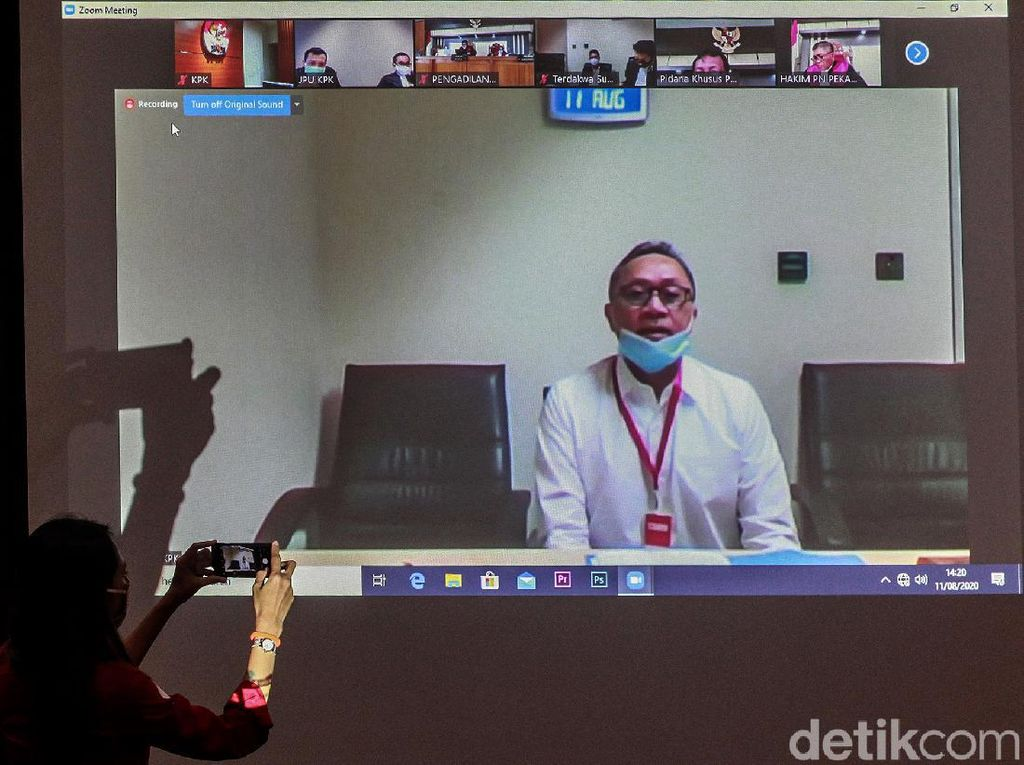 Zulkifli Hasan Bersaksi di Sidang Korupsi Alih Fungsi Hutan