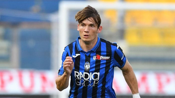 PARMA, ITALY - JULY 28:  Marten De Roon of Atalanta BC in action during the Serie A match between Parma Calcio and Atalanta BC at Stadio Ennio Tardini on July 28, 2020 in Parma, Italy. (Photo by Alessandro Sabattini/Getty Images)